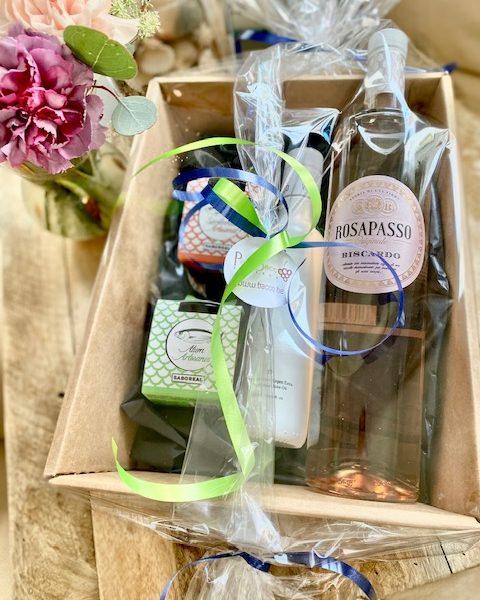 Gift box tapas wine olive oil
